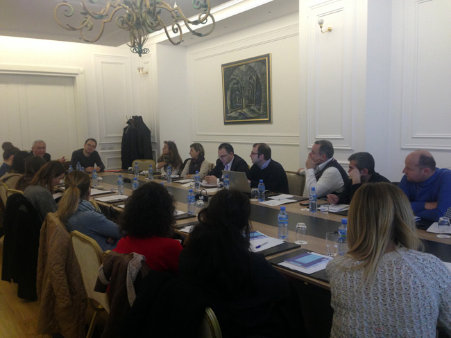 BIRN Albania Holds Roundtable on Financial Industry