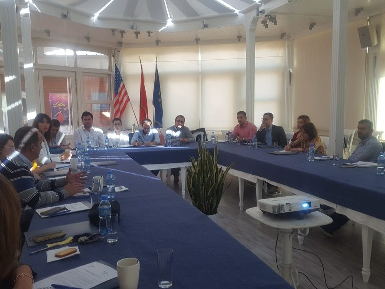 BIRN Albania Holds Roundtable on Political Party Finances