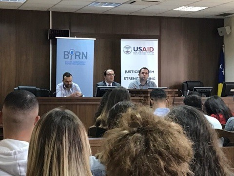 BIRN Kosovo Hosts a Debate with Law Students at the Gjilan Basic Court