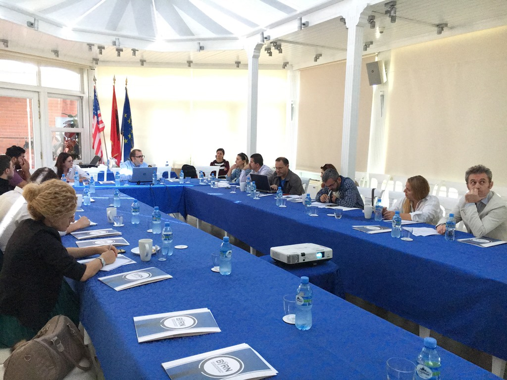 BIRN Albania Holds Workshop on Organised Crime