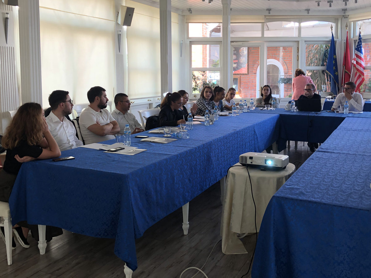 BIRN Albania Holds Roundtable on Education