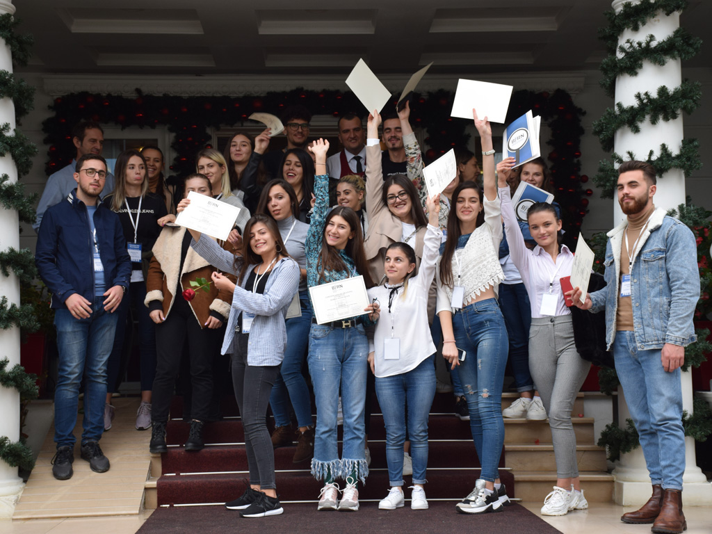 BIRN Albania Holds Mobile Journalism Training for Students