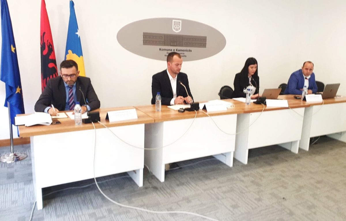 BIRN Kosovo Holds Debate on Audit Report in Kamenica