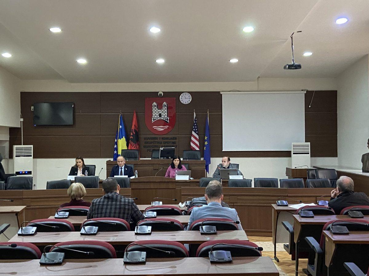 BIRN Kosovo Holds Debate on Audit Report in Peja/Pec