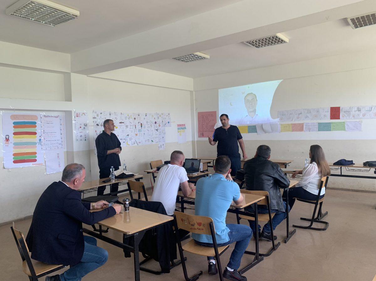 BIRN Kosovo Trains Teachers Around Kosovo in Public Speaking and Presenting